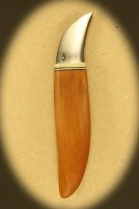 Kniv 0030 Kniv med skæfte af hård træ + ben og smedet klinge. Totallængde ++ mm. kr. 495.- incl. moms